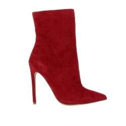 Steve Madden shoes, Code:  WAGNER RED